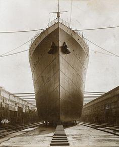Ship in dry dock, King George V dock: 1921