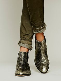 Centinela Ankle Boot- Silver Metallic Crackled Leather
