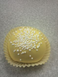 Lemon cake ball