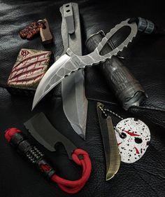 Knifeporn...