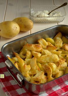 The Different Pastas in Italian Food University Food, Italy Food, Happy Foods, Italian Pasta, Creative Food, Side Dish Recipes, Potato Recipes, Soul Food, Family Meals