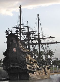 The Black Pearl ,This ship is docked in Hawaii at Ko Olina. This is what they used in the Pirates of the Caribbean movie Moby Dick, Black Pearl Ship, Old Sailing Ships, Ghost Ship, Wooden Ship, Black Sails, Yacht Boat, Ship Art, Model Ships