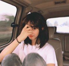 Sabem de q grupo essa garota é? Korean Girl Ulzzang, Ulzzang Girl Fashion, Ulzzang Short Hair, Cute Korean Girl, Asian Girl, Korean Aesthetic, Aesthetic Girl, Aesthetic Hoodie, Uzzlang Girl