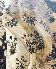 Sandro Botticelli #SandroBotticelli #paint #painter #master #nature #detail #renaissance #flowers #beauty #infinity #beautiful #colour #unique #elegance #delicate #art #love #bestart #motherofallexiles by motherofallexiles