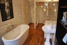 bagno in marmo calacatta oro