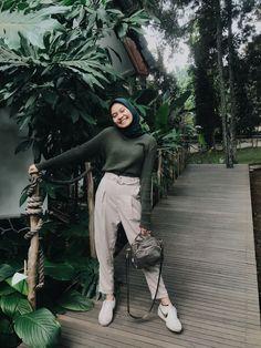 New fashion hijab outfits casual muslim - hijab outfit Casual Hijab Outfit, Hijab Chic, Modest Fashion Hijab, Modern Hijab Fashion, Street Hijab Fashion, Outfits Casual, Hijab Fashion Inspiration, Ootd Fashion, Fashion Bella