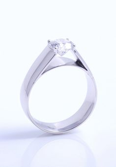 Julian Bartrom The Best Jewellers in Auckland, Best NZ Jewellery Designers. Contact Julian Bartrom for Custom Jewellery Designs in Auckland. Best Jewellers in Auckland Custom Jewelry Design, Custom Design, Custom Made Engagement Rings, Fine Jewelry, Jewellery, Auckland, Designers, Jewels, Diamond