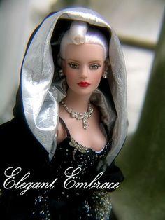 Elegant Embrace