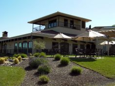 Abacela Winery, near Roseburg in the Umpqua Valley AVA, opened its Vine & Wine Center in 2011. Its Spanish-influenced style reflects Abacela's highly regarded work with Iberian varietals. (Abacela)