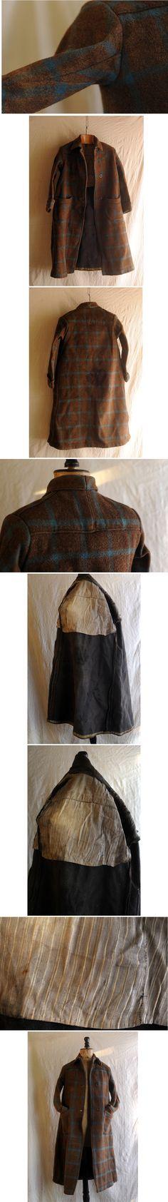 xvpbvx     1900'sフランス、ウールコートです。 深みのあるブラウンベースにターコイズのウインドウペン、 ブランケットの様な目の詰まった厚手ウール、これほど古い物はとても珍しいです。 フロント2ボタン、トップはホック2つ留め、 大きく丸いパッチポケット、袖下のマチや後ろヨークの切り替えも面白い仕立てです。 裏地は味のあるストライプ柄コットン、 細身で立体的なシルエットも素敵です。 汚れがあるので着用には手を入れる必要がありますが、資料としても価値ある品と思います。 なかなか目にすることのでき
