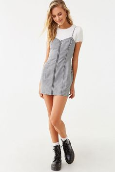 Forever 21 is the authority on fashion & the go-to retailer for the latest trends, styles & the hottest deals. Shop dresses, tops, tees, leggings & more! Stylish Outfits, Cute Outfits, Dr Martens Outfit, Adidas Outfit, Tween Fashion, Fashion Poses, Plaid Dress, Women Lingerie, Cami