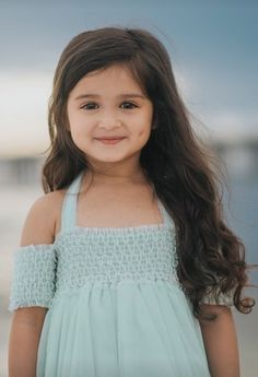 Her dimples are a pleasure to look at . Cute Kids Pics, Cute Baby Girl Pictures, Cute Girl Pic, Girl Photos, Cute Girls, Girls Dp, Dps For Girls, Cute Little Baby Girl, Beautiful Little Girls