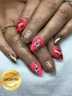 #nails by Amanda Trivett #enhancements with #gelish manga round with me, #Lecenté sleigh bells #glitter & bright #gold #foil & #Swarovski #crystals  #goldnails #coralnails #glitternails #nailart #lovelecente