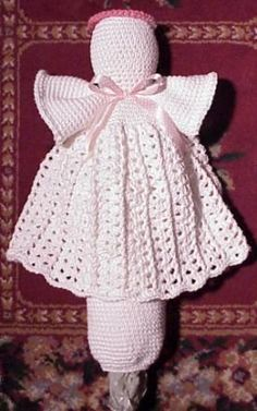 #Crochet angel plastic bag holder pattern from Cute Crochet who also has a really cute crochet towel holder angel pattern