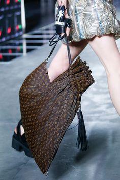 Knautschtaschen: Louis Vuitton