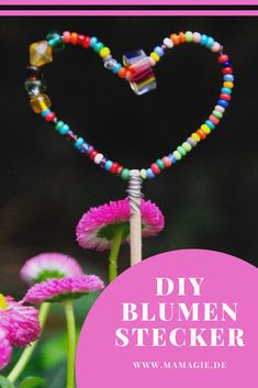 Great homemade plug made of pearls. - Muttertag: Basteln und Rezepte - Crafts world Fall Arts And Crafts, Diy Crafts To Do, Kindergarten Art Projects, Diy Mothers Day Gifts, Presents For Her, Experience Gifts, Mother's Day Diy, Textiles, Homemade