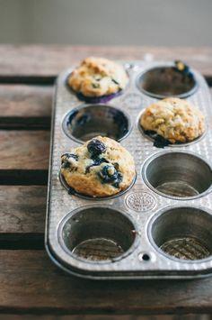 vegan blueberry banana muffins: use less sugar and coconut oil. Vegan Baking Recipes, Healthy Baking, Cooking Recipes, Vegan Treats, Vegan Desserts, Dessert Recipes, Vegan Foods, Banana Blueberry Muffins, Vegan Blueberry