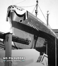 "Wodowanie ""Piłsudskiego"", 19 grudnia 1934 r.; zdjęcie ze zbiorów Narodowego Muzeum Morskiego w Gdańsku Merchant Marine, Cruise Ships, Beauty Inside, Vintage Travel, Poland, Past, Art Deco, Ocean, Ship"