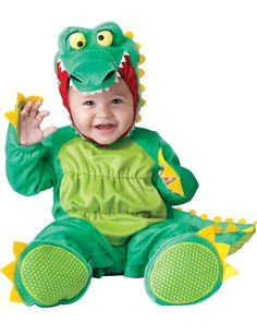 Krokodil Kostüm für Babys mit grünem Schwanz, Kapuze in Form eines Krokodilkopfes und rutschfesten Sohlen.