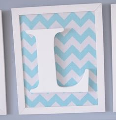 Quadro Letra Wooden Letter Crafts, Wooden Letters, Gift Bouquet, Baby Shawer, Charts For Kids, Diy Mirror, Box Frames, Baby Decor, Shadow Box