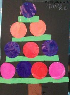 Knutselen Kerstboom met stroken en cirkels