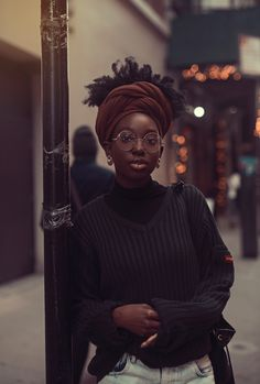 Post with 569 views. A Different Drum: Androgynous Afro-punk Black Girls Rock, Black Girl Magic, Poses, Pretty People, Beautiful People, Pelo Natural, Cooler Look, Black Girl Fashion, Fashion Fashion