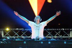 Armin Van Buuren - Favorite.
