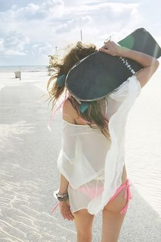 Get your beach look sorted here - http://dropdeadgorgeousdaily.com/2014/01/flattering-rash-vest/