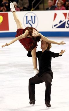 USA's Meryl Davis and Charlie White win third consecutive Skate America title