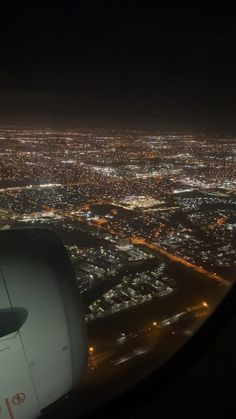 ✔ Couple Videos Night Ideas in 2020 Night Aesthetic, City Aesthetic, Aesthetic Movies, Aesthetic Videos, Travel Aesthetic, Aesthetic Pictures, Airplane Photography, Travel Photography, Airplane Window View