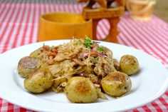 Hliva s kyslou kapustou a baby zemiačikmi - recept Potato Salad, Veggies, Potatoes, Chicken, Meat, Ethnic Recipes, Baby, Food, Vegetable Recipes