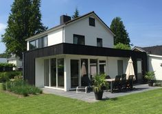 Bungalow, Dutch Netherlands, House Extensions, Good Company, Trees To Plant, Interior And Exterior, House Design, Fire, Mansions