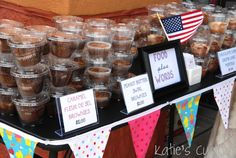 Using plastic cups with covers for bake sale packaging. Fast, easy, and neat. PERFECT setup and display - bake sale Bake Sale Packaging, Cupcake Packaging, Food Packaging, Packaging Ideas, Cupcakes, Cupcake Cakes, Bake Sale Treats, Florida Food, Brownies