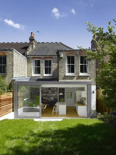 42 Awesome Terrace House Extension Design Ideas With Open Plan Spaces - Extending your home by building outside can have a significant impact on your property's curb appeal when it comes time to list your house on the mark. House Extension Plans, House Extension Design, Extension Designs, Rear Extension, Extension Ideas, Modern House Design, Home Design, Modern Houses, Design Ideas