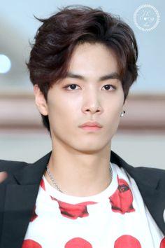 JR - Nu'est