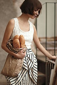 i like the dress and i love bread.
