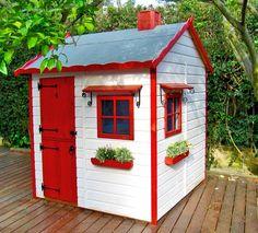 Casas de madera para niños http://www.mamidecora.com/juguetes_de%20jardin_green%20house-caba%C3%B1as.html