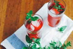 blackberry shrub cocktails with mint | brooklyn supper