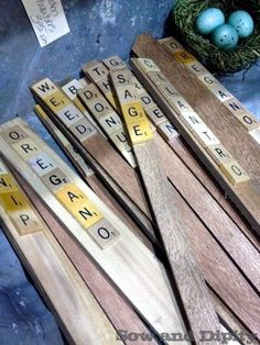 DIY garden markers using old Scrabble tiles. I need to get some Scrabble tiles from the thrift stores. Garden Crafts, Garden Projects, Garden Art, Garden Stakes, Diy Projects, Garden Sink, Recycling Projects, Diy Crafts, Upcycled Crafts