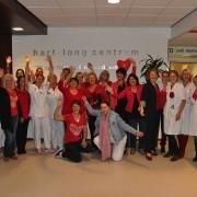 De afdelingen en teams van het hart-long centrum MCA kleuren tijdelijk rood. - http://www.mca.nl/Algemeen/Nieuws/Nieuwsarchief/articleType/ArticleView/articleId/380/Dress-Red-Day-in-MCA.aspx
