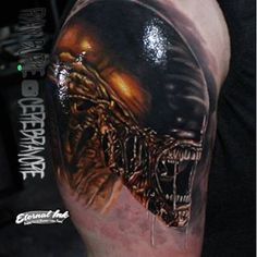 Full shot of the xenomorph tattoo I did.
