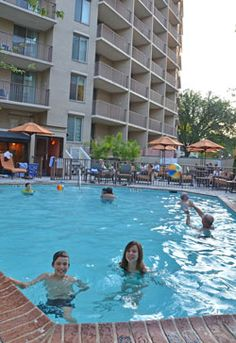 If you need an outdoor pool and a big room, this family friendly hotel in Washington, D.C.'s Washington Circle is a good choice.