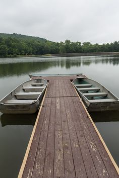 The 1,200-acre Keystone State Park is great for day-trips and family vacations year-round. Camping, modern cabins, many trails and a lake are all within walking distance, providing an ideal setting for wildlife watching or outdoor adventures.