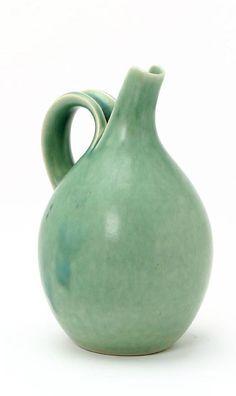 Groene aardewerk pitcher van Eva Stæhr-Nielsen