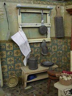 Dollhouse Minis: Antique Dollhouse Kitchen