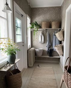 Home Interior Design, Interior Decorating, Small Cottage Homes, Hallway Designs, House Front, Apartment Design, Scandinavian Design, Sweet Home, Entryway
