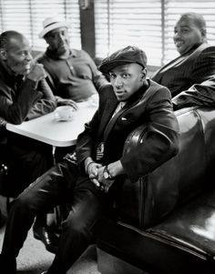 Mos Def... Looks like he's stepped back 60 years in time. Love it.