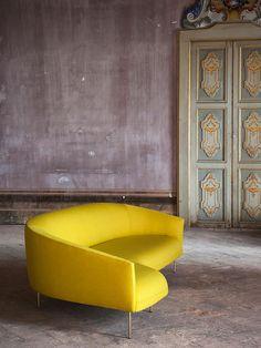 Soft Seating, Table Seating, Sofa Design, Furniture Design, Best Interior, Interior Design, 1950s Design, Upholstered Furniture, Fabric Sofa