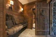 Chalet Annelies entrance hall - retire, shoes off, coats racked, hats stored, umbrellas & keys stowed. Chalet Design, Chalet Style, Lodge Style, House Design, Chalet Interior, Interior Design, Hotel Chalet, Ski Chalet, Gite Rural