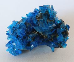 "rockon-ro: ""CHALCANTHITE (Copper Sulfate) crystals that were grown in a laboratory by allowing a saturated solution of copper sulfate to slowly evaporate. The beautiful electric blue colour is typical..."